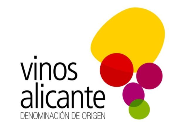 La DOP Alicante otorga su premio a la comercialización de vinos alicantinos a la cadena de supermercados masymas