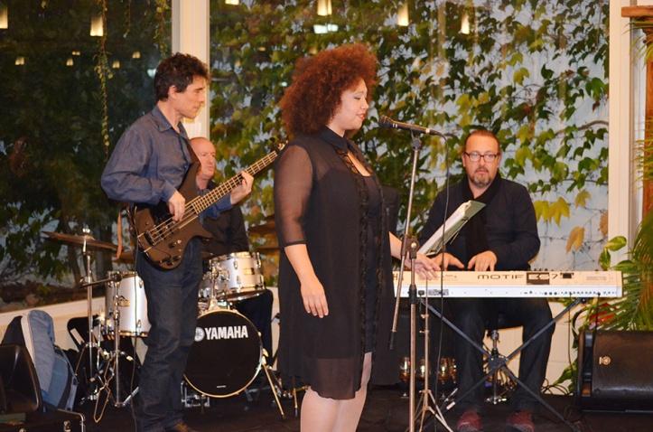 """El grupo musical """"Da Cappo"""" fue el encargado de maridar los vinos de Alicante con sus interpretaciones"""