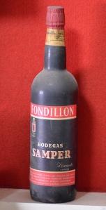 Antigua botella de Fondillón de la desaparecida bodega Samper