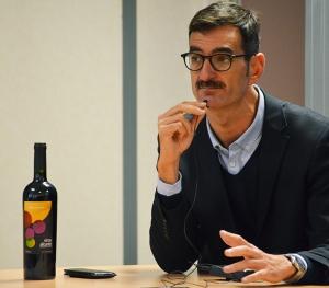 Eladio Martín durante una intervención en la Universidad Miguel Hernández