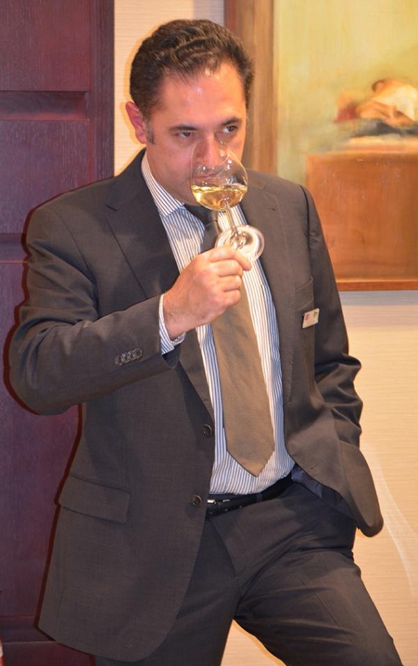 El sumiller Javier Aparicio se confiesa enamorado de los vinos de Alicante