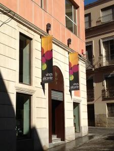Fachada de la sede del Consejo Regulador de la DOP Alicante / DOP Vinos Alicante