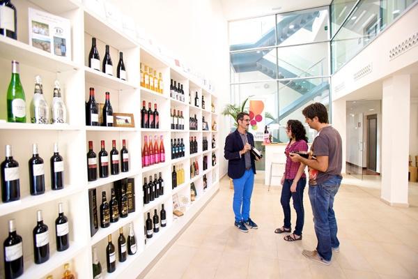 Interior de la sede del Consejo Regulador de la DOP Alicante / DOP Vinos Alicante