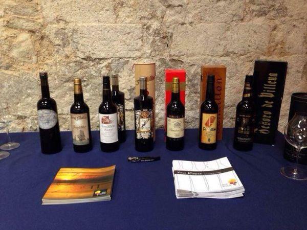 Diversos fondillones han sido preparados han sido degustados durante la inauguración de la exposición en Girona.