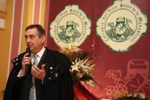 Fernando Riquelme, presidente de la Cofradía, durante una intervención / laverdad.es