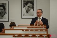 Pedro Cáceres durante la presentación de la alianza de la bodega Salvador Poveda con Vid y Olivo Inversiones en Alicante el pasado mes de abril de 2014. /LBA