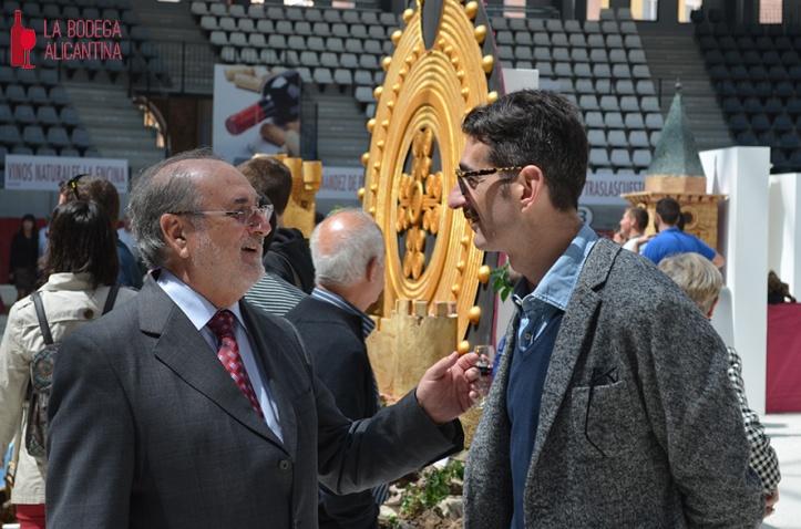 El Presidente (izq.) y el Gerente de la DOP Alicante estuvieron presentes durante la Feria para mostrar su apoyo a la iniciativa.