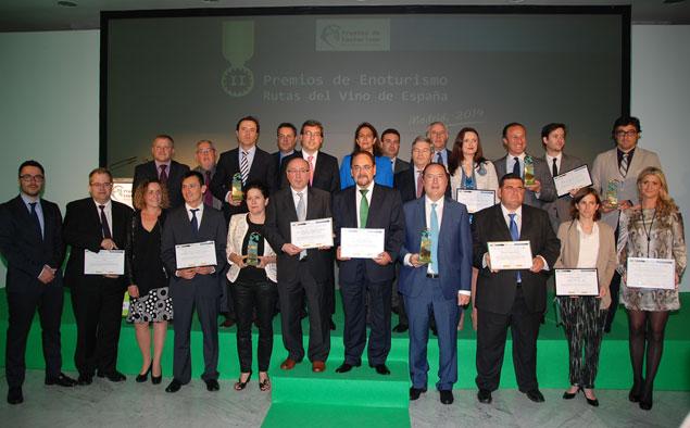 Imagen de los premiados en la entrega de los II Premios de Enoturismo de ACEVIN. /www.manchainformacion.com