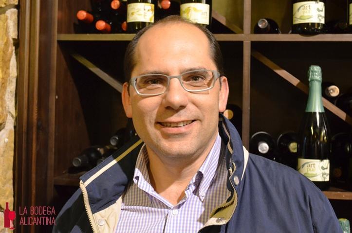 Para Javier Navarro las Denominaciones de Origen no ayudan a la comercialización de los vinos. /LBA