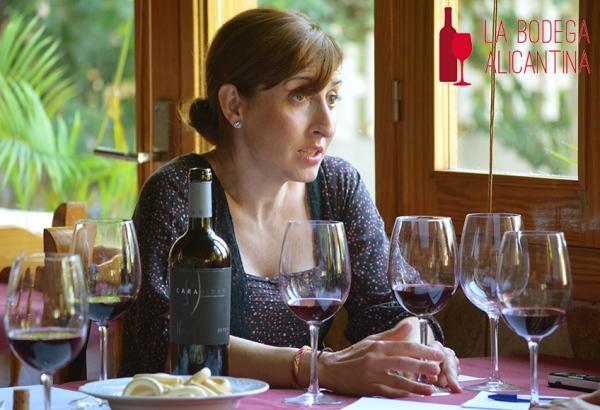 Ana Belén Pradas durante la charla que acompaño a la cata del Carabibas VS 2012. /LBA