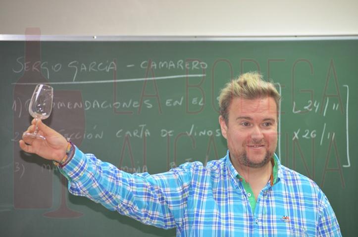 Sergio consiguió transmitir mucho conocimiento visual acerca del trabajo del sumiller. /LBA