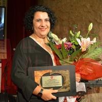 La coach profesional Cristina de Arozamena recoge el premio Bocopa por su promoción del vino de Alicante